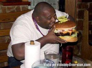 gordo comiendo