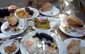Almuerzo para senderistas de chicha y nabo